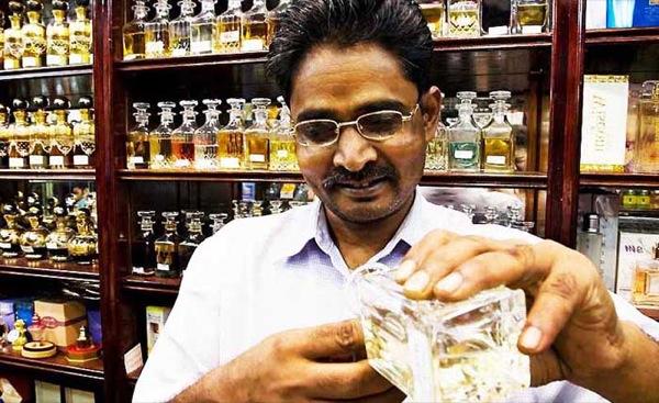 De parfum-souk in Dubai is en feest voor de neus.
