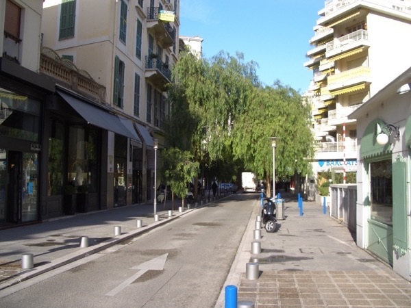 Avenue Alphonse Karr
